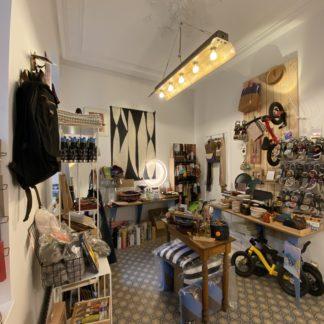 Ultra bien Huy Boutique vieille pharmacie pièce arrière